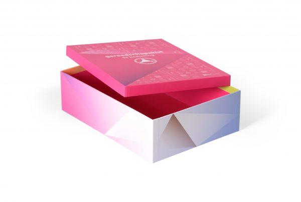 doos deksel verpakking, bedrukte doos met deksel, luxe presentatiebox, presentatiedoos, papier omplakte doos, linnen omplakte presentatiedoos, omplakte scharnierende verpakking, opapier omplakte box met scharnierend deksel, geschenkdoos verpakking, linnen omplakte box met losse deksel, opbergbox opbergdoos voor diverse brochures
